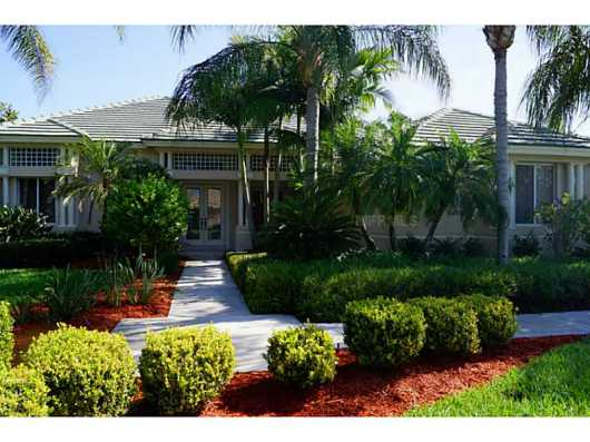 NEW Listing: 6923 RIVERSEDGE STREET CIR, BRADENTON: $575,000